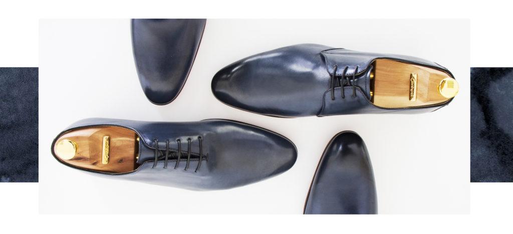 0ac7ef720da59 Ważne, by do takich wyrazistych garniturów, odpowiednio dopasować buty i  wyglądać na swoim ślubie perfekcyjnie.